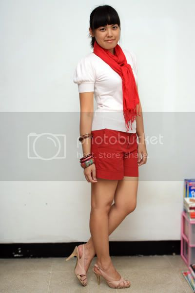 04-29 red scarf 2